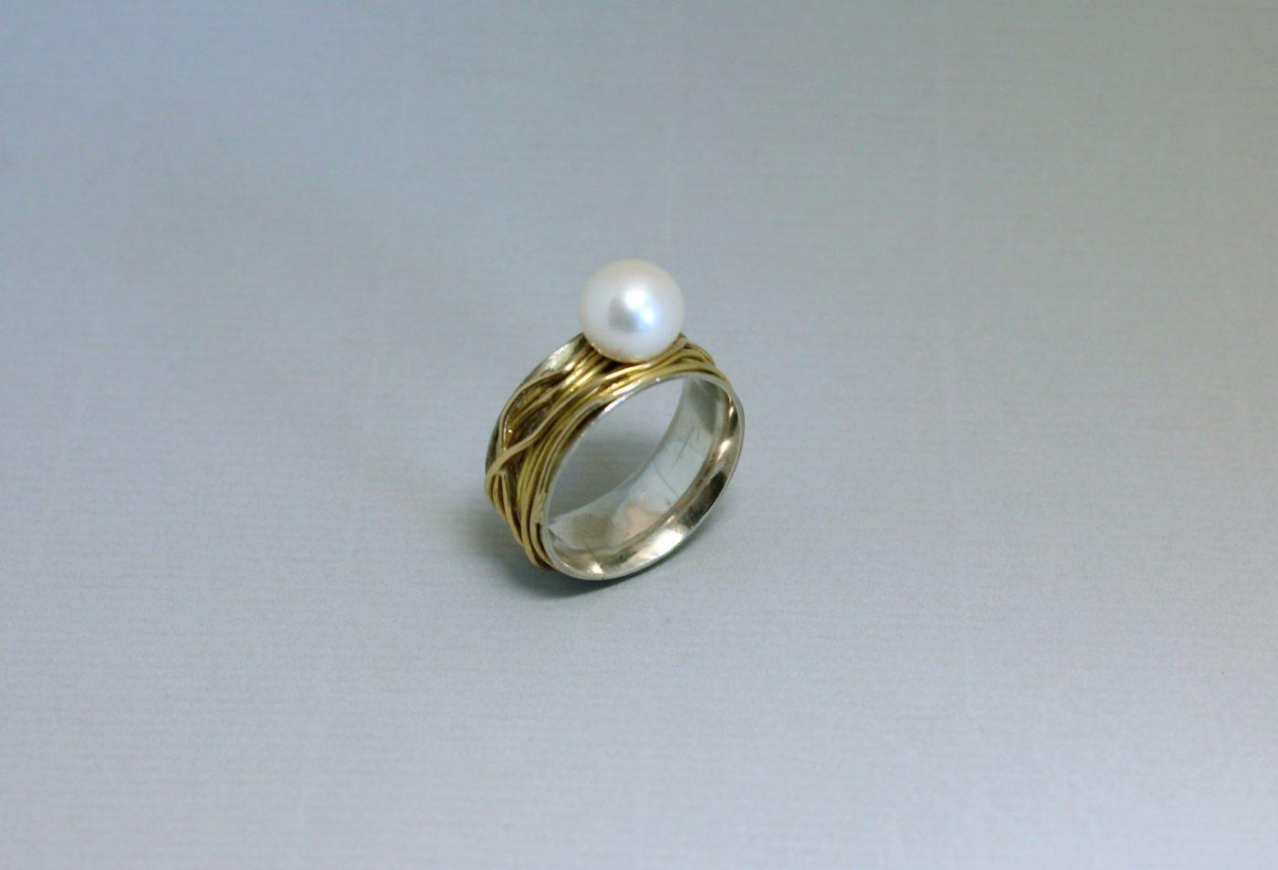 Umwickelter Perlenring